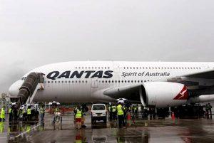 Qantas avvia ispezioni su Boeing 737 dopo scoperta crepe strutturali su due aerei
