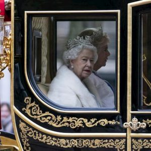 """Brexit, la regina Elisabetta: """"Entro il 31 ottobre, lo vuole il governo"""""""