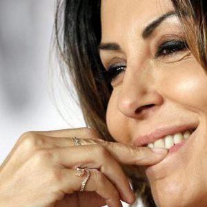 """Tu si que vales, Sabrina Ferilli risponde a Maria De Filippi: """"Ma che ca*** me ne frega"""""""