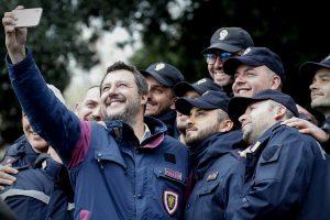 """5 per mille anche alle Forze dell'Ordine: la proposta della Lega. Salvini: """"Più che mai necessario"""""""
