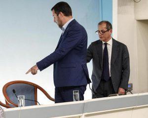 """Giovanni Tria: """"Fu Salvini a bloccare la flat tax"""""""