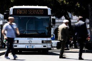 Un autobus, Ansa