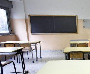 Salerno, studentessa 16enne muore alla lavagna durante interrogazione