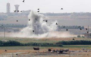 Siria: Erdogan bombarda giornalisti e ospedali in territorio curdo. E torna spauracchio Isis: 800 miliziani evasi