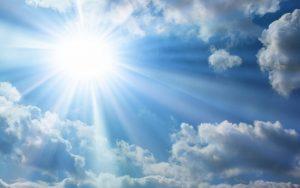 Previsioni meteo, da martedì sera migliora al Nord. Intanto al Sud sole fino a 30 gradi