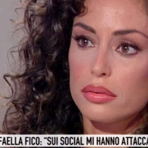 """Storie Italiane, Raffaella Fico: """"Ho sempre lavorato con il mio corpo senza andare oltre"""""""