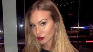 Taylor Mega, malore in discoteca a Como mentre scatta foto con i fan