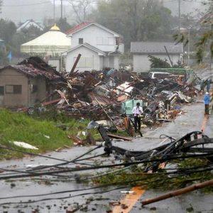 Giappone. Il tifone hagibis trascina via sacchi di materiale radioattivo