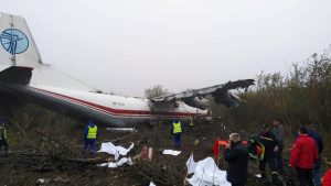 Ucraina, atterraggio di emergenza per un aereo militare: 5 morti