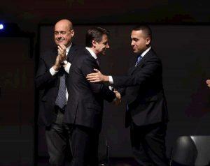 """Di Maio: """"Alleanza con Pd ci ammala"""". Soffocava anche con Salvini. Governo kriptonite M5S"""