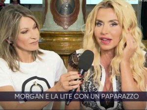 """La Vita in Diretta, Valeria Marini e il suo rapporto con i paparazzi: """"Una volta mi fotografarano mentre..."""""""