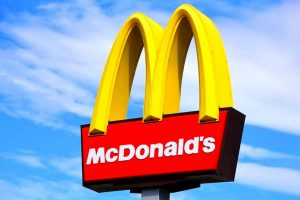 McDonald's assume 120 diplomati: come candidarsi