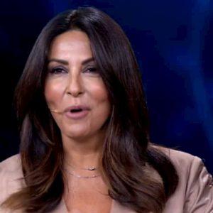 """Tu si que vales, Maria De Filippi a Sabrina Ferilli: """"Hai le mutande?"""". E l'attrice..."""