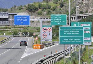Maltempo, A5 Torino-Aosta chiusa per frana tra Ivrea e Pont Saint Martin