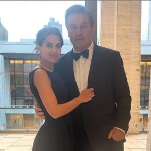 Alec Baldwin e la moglie Hilaria Thomas hanno perso la bimba: aborto spontaneo