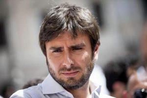 Alessandro Di Battista in lutto: è morta la madre