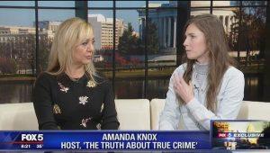 """Amanda Knox e Lorena Bobbit insieme al Festival del crimine: """"Il nostro trauma usato per fare soldi"""""""