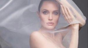 """Angelina Jolie vuole vivere all'estero ma Brad Pitt non lo consente: """"Devo stare dove il padre dei miei figli sceglie"""""""