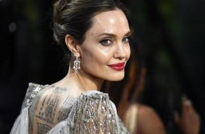"Angelina Jolie, allarme bomba sul set del film Marvel ""The Eternals"""