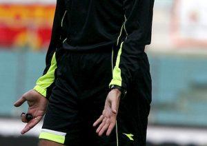 Ancona, tifoso ha un malore durante la partita: guardalinee lo salva miracolosamente