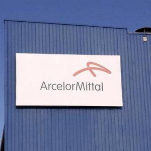 ArcelorMittal, l'azienda ha sospeso lo spegnimento degli impianti