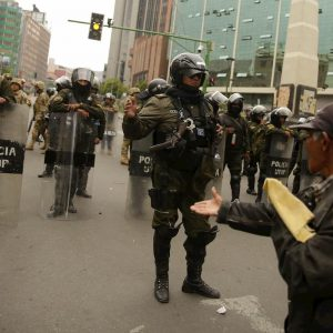 Bolivia, giovane ucciso dalla polizia: è l'ottava vittima degli scontri