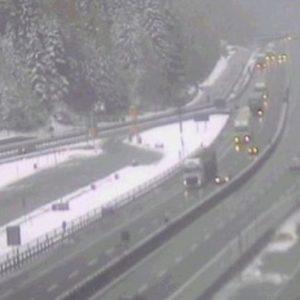 Vipiteno (Bolzano), cade cavo: A22 e ferrovia del Brennero interrotte