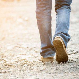 Cammini lentamente a 45 anni? Forse stai invecchiando più in fretta