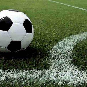 Maltempo Battipaglia, fulmine sul campo di calcio: due 15enni all'ospedale