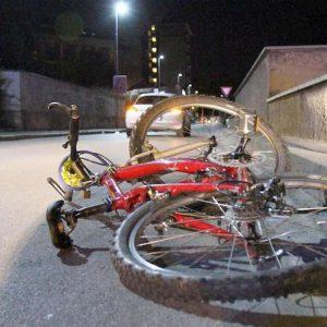 ciclista tamponato morto in ospedale
