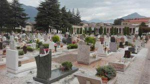 Gb, 50enne violentata al cimitero mentre faceva visita ai suoi cari defunti