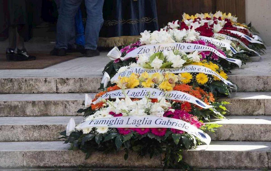 corone fiori funerale luca sacchi