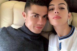 Cristiano Ronaldo smentisce le nozze segrete con Georgina. Ma nel testamento...