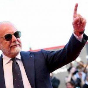 Ammutinamento calciatori Napoli punizione De Laurentiis è esemplare
