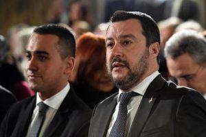 Di Maio battistrada di Salvini: vincolo di mandato, come Mussolini e Hitler, Beppe Grillo lo fermi