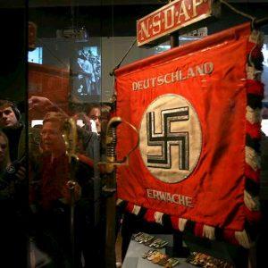 """Dresda proclama lo """"stato di emergenza nazismo"""". Delibera choc in consiglio comunale, Cdu non la vota"""