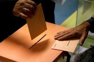 Elezioni Spagna: niente maggioranza, di nuovo. Ma l'ultradestra Vox (terzo partito) raddoppia i seggi