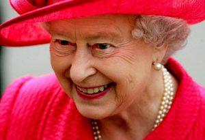 Regina Elisabetta: la lettera di 6 pagine per il cane defunto, l'esorcismo e cosa pensava veramente di Margaret Thatcher