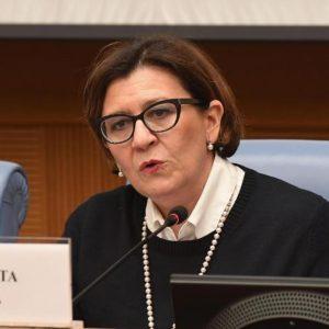Elisabetta Trenta, ex ministro della Difesa: aperto fascicolo dalla Procura militare