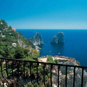 Case con vista, le più care d'Italia: Capri (12.500 euro mq), Milano (11.350). Roma 9.852 euro