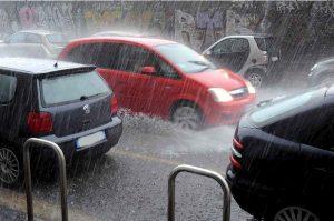 Meteo, ciclone mediterraneo in arrivo al Sud: nubifragi, venti forti e rischio alluvione