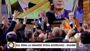 """Mario Giordano a Vittorio Sgarbi: """"Volevi candidarti nel Pci"""". Il critico d'arte: """"Bugie"""". E giù insulti..."""