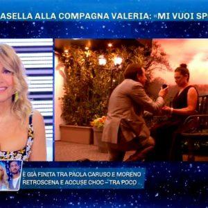 Domenica Live, Giucas Casella fa la proposta di matrimonio in diretta alla compagna Valeria