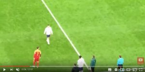 Sterling, tifosi inglesi fischiano Gomez video YouTube
