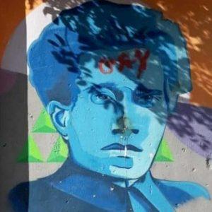 """""""Antonio Gramsci gay"""": imbrattato il murales dell'intellettuale a Turi"""