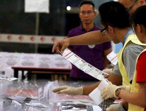 """Hong Kong, valanga democratica alle elezioni distrettuali. Ma Pechino: """"La città è parte integrante della Cina"""""""