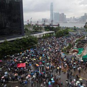 Una manifestazione a Hong Kong