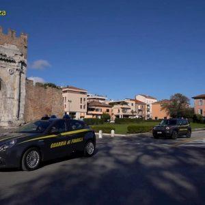 Rimini, ha intestato un hotel ma prende il reddito di cittadinanza: denunciato