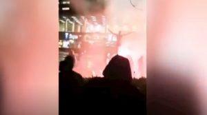 """Ibrahimovic, in fiamme la sua statua a Malmo. E sul portone di casa la scritta """"Giuda"""""""
