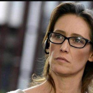 """Ilaria Cucchi e il commento di Salvini: """"Che c'entra la droga? Penso di querelarlo"""""""